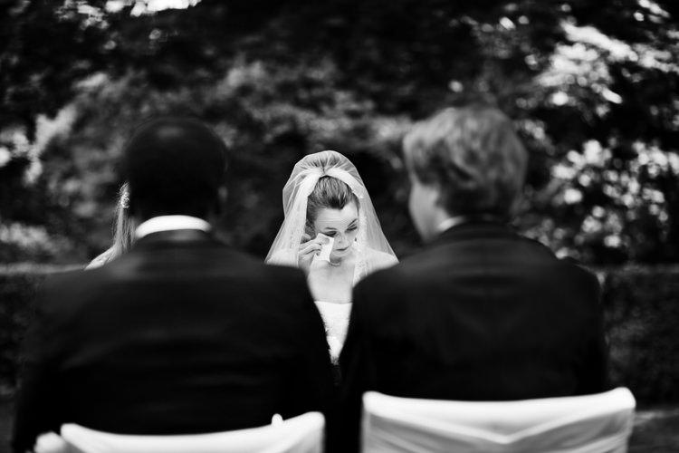 emocje na ślubie w plenerze