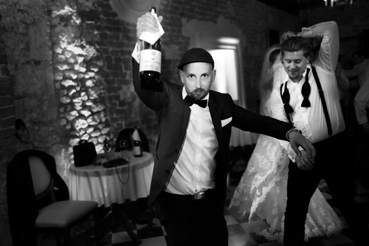 ślub-w-plenerze-wesele-zamek-korzkiew-blog-0059