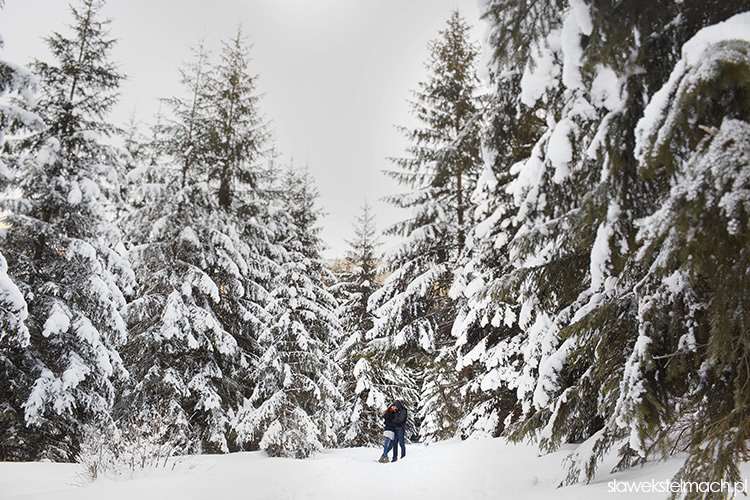sesja narzeczeńska na śniegu