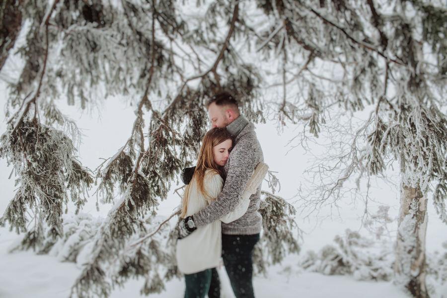 Strbske pleso zimowa sesja narzeczeńska