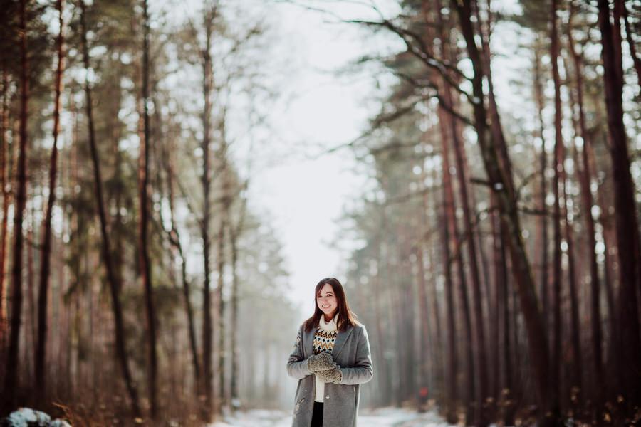 sesja portretowa w lesie