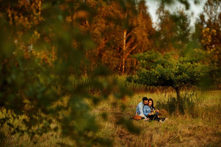 zdjęcia rodzinne w lesie