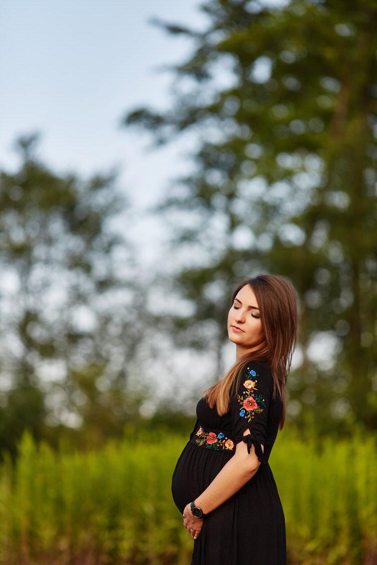 sesja portretowa brzuszkowa Tarnów