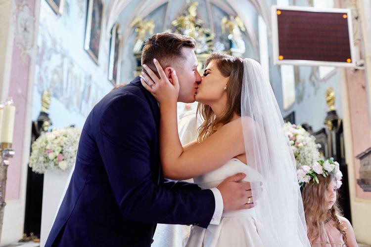 przepiękny ślub w Wojniczu ceremonia zaślubin