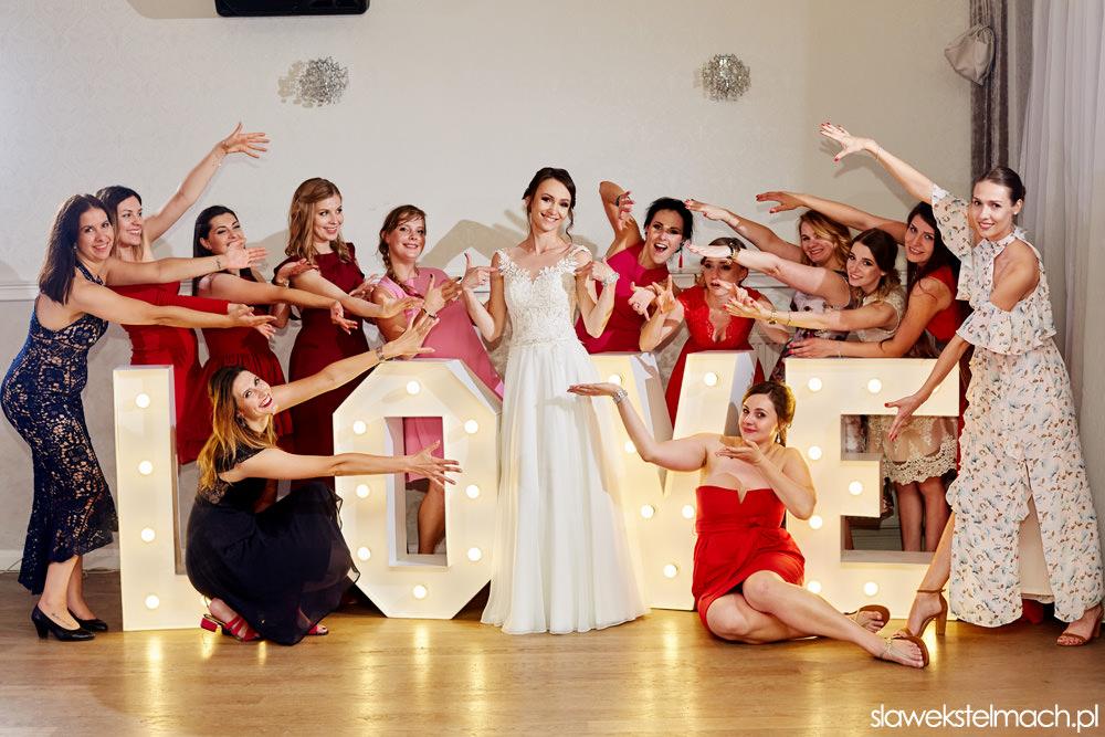 jodłowy dwór wesele, napis love na wesele