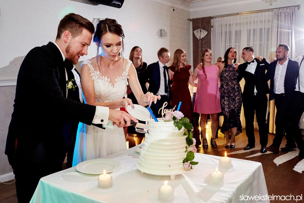 Wspaniałe wesele Jodłowy Dwór. Przyjęcie weselne – jodłowy Dwór tort weselny w jodłowym dworze