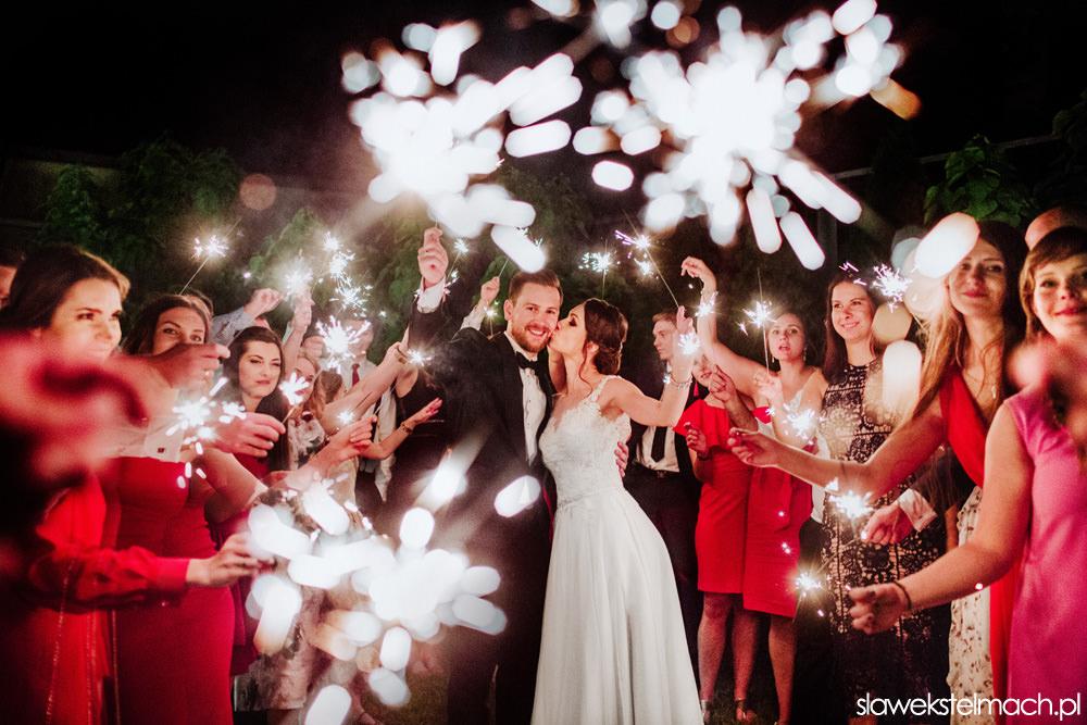 jodłowy dwór - fotograf na wesele, zimne ognie w jodłowym dworze, wspaniałe wesele